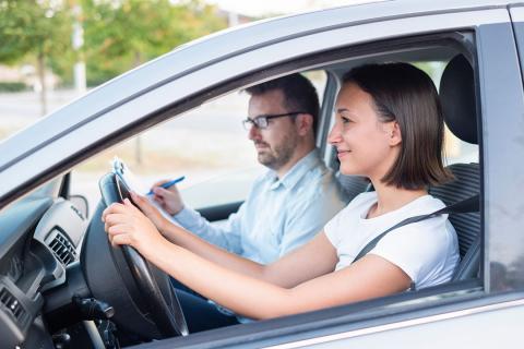 Cuánto cuesta sacarse el carnet de conducir en Vigo en 2020